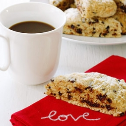 Skinny Chocolate Chip Scones